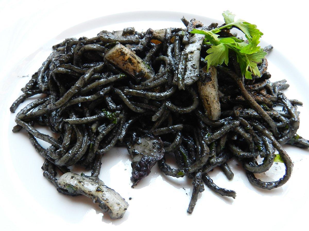 Ricetta pasta col nero di seppia